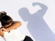 移民女子在温哥华遭遇家庭暴力 女人还是得自立自强啊 没钱就只能受气… …