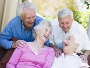 加拿大百岁老人近万 华妇独居至107岁成典范