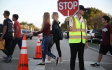 阻枪手入侵校园 美国宾州学区提出最原始方案