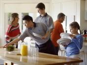 出国留学,如果寄宿在亲戚朋友家里需要注意什么?