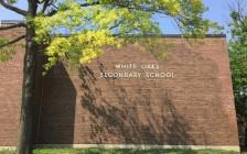 奥克维尔市的著名公立高中White Oaks Secondary School