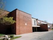 安省温莎的百年公立名校——利明顿中学