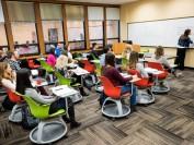加拿大圣文森特大学:曾被寄养的学生可以免学费