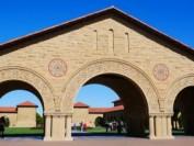 美国斯坦福大学校董会:家庭年收入低于15万 免费入学