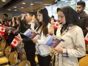移民与加拿大本地人收入差距加大 最大薪资差达18%