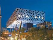 成立于1876年位于多伦多市中心的安省艺术设计大学OCAD介绍