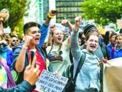多伦多大学2500师生请愿 要求周五停课去环保游行