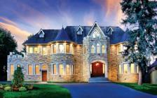 多伦多豪华公寓中位价240万 涨幅7% 挂牌少难入手