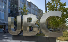华人家长炸了!UBC竟允许校内吸大麻!温哥华这几所大学却……
