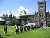 多伦多大学等多所加拿大大学集体宣布:今年毕业典礼又凉了!