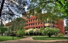 纯干货:加拿大大学专业对留学生的限制