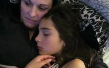 澳洲13岁女孩被轮奸后自杀!心碎的妈妈写了一封信,惊醒所有人…