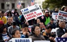 """亚裔暂时""""赢""""了哈佛大学招生案"""
