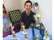 """一个来自中国的留美中学生如何成了学校的""""传奇"""""""