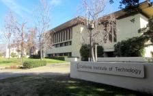 """美国加州理工学院公开抹除创始人的名字,原因是其支持过""""优生学"""""""