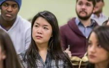 焦虑的亚裔学生:为何甘愿做名校里的中等生?