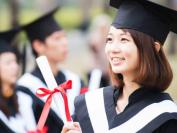 中国留学生每年给加拿大带来50亿加元。加中关系紧张,加高校希望保持中国留学生入学率