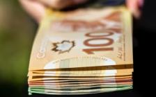 加拿大大学每年数百万元大学奖学金无人申请