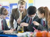 通过课外活动,能区分英国的公校、私校和华人家庭?