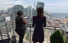 多伦多温哥华公寓价格年涨60%太危险!加拿大央行警告:入市谨慎