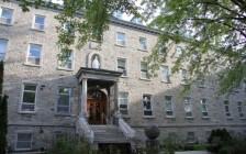 魁省著名私立学校圣安妮,一个班15人感染,家长群炸了!