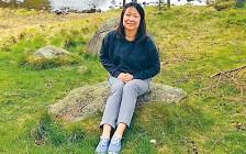 为拍照腾空跳起 23岁韩国女学生坠崖惨死