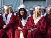 花钱上大学值不值 看加国高校毕业生年薪挣多少