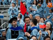 """疫情致失业率飙升 特朗普或拿中国留学生""""开刀"""""""