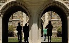 《特权穷人》:美国精英大学中的贫困生