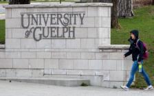 加拿大多所大学要求学生从学生宿舍搬离