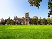 多伦多大学的本科生可以修读一门有趣的金融课,上过课的姑娘告诉你课程长什么样