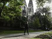 美国大学招生丑闻:华人担当行贿主力和冤大头双重不光彩角色