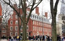 哈佛大学招生办主任:推荐信不给力导致亚裔申请人评分低