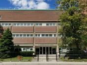 多伦多天主教教育局位于市中心的公立高中—圣约瑟夫学校St.Joseph's College School(组图)