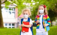 加拿大学校秋季开学指南:10岁及以上学生戴口罩