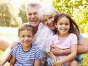 2020父母团聚移民10月13日重新开放 – 附担保收入要求