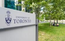 疫情发展难料 加拿大多伦多大学招生照常进行