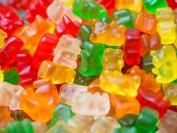 加拿大私立学校学生吃大麻软糖被开除 校长后悔