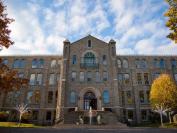 枫叶教育集团在加拿大安大略省购置一座寄宿校园