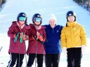 勇往直前—多伦多私立学校苏安高中留学生加国首次滑雪体验!