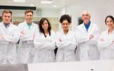 考上加拿大的医学院就成功了?中国留学生们应该先看看在加国当医生有多难!