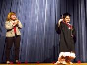 加拿大8岁女童患脑癌 众人为她办高中毕业典礼提前圆梦
