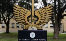 多伦多顶级私立男校St.Michael's College School被性侵学生崩溃,一纸诉状将冷漠校方告上法庭!