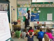 加拿大小学教室和课程介绍