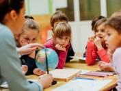 安省公立学校增减每班学生人数 对学生成绩有影响有多大?