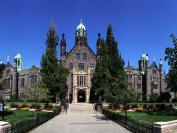 多伦多大学圣乔治校区Trinity College: 现代化与古典宗教的优美