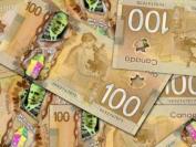 疫情导致加拿大大学改上网课 学费不减反增惹抨击