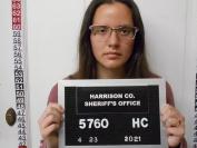 美国俄亥俄州21岁天主教学校女老师被捕!涉嫌带15岁男学生回家!