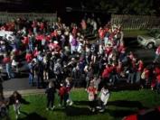 加拿大新斯科舍省阿卡迪亚大学学生疯狂派对 多人被捕被控罪