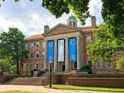 美国北卡罗来纳大学教堂山分校周末发生两起自杀事件